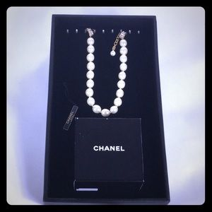 Authentic CHANEL costume jewelry necklace with Box